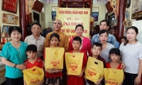 Chùa Bửu Kim tặng tập cho học sinh nhân mùa khai giảng năm học mới 2019 - 2020