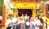 Chùa Bửu Kim tặng gạo người nghèo nhân mùa Vu Lan